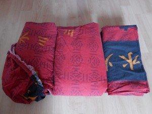 2 taies d'oreillers, une housse de couette et un drap housse, pour un lit d'une personne